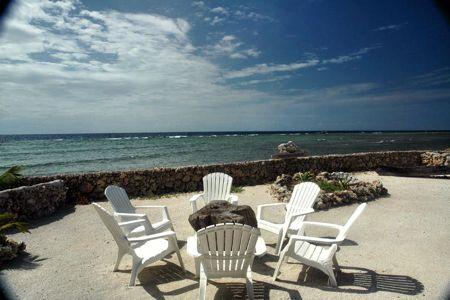 517_seaside-lounge-area