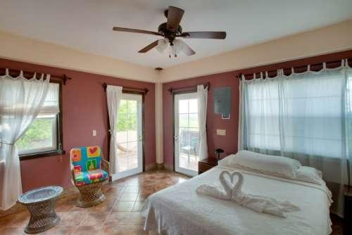 876_bedroom2