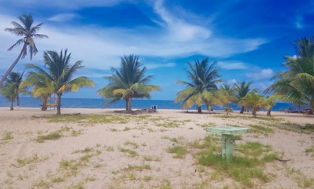 ND240 - beach parcel - placencia village (1)
