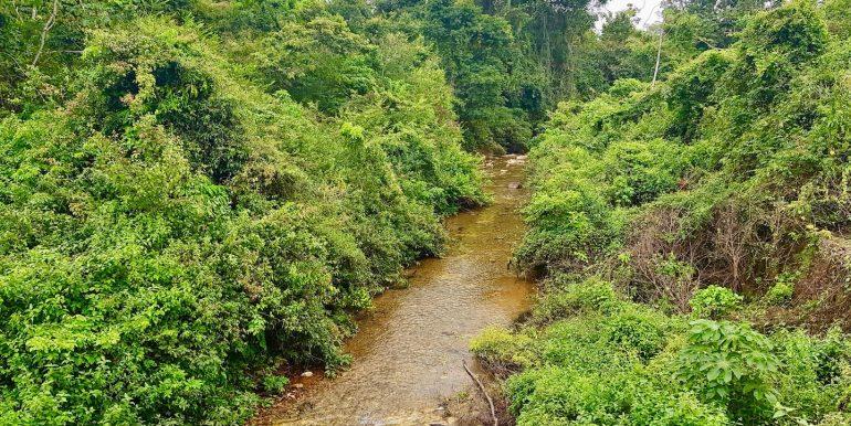 F010 - warrie creek - that runs through 114 acres