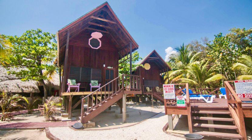 R125 - Green Parrot - Beach Houses - Maya Beach Placencia