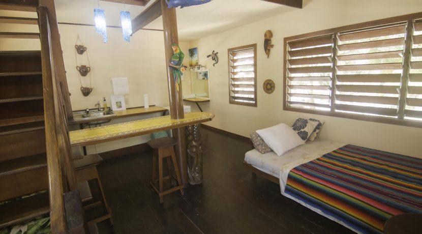 R125 - Green Parrot - beach house - interior unit