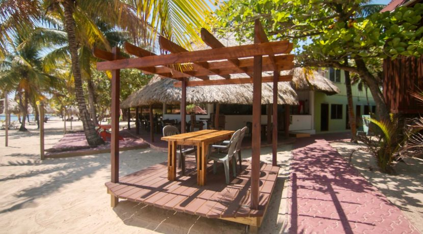 R125 - Green Parrot - dining pavilion