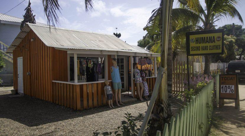 Y249 - Placencia Village Commerical property