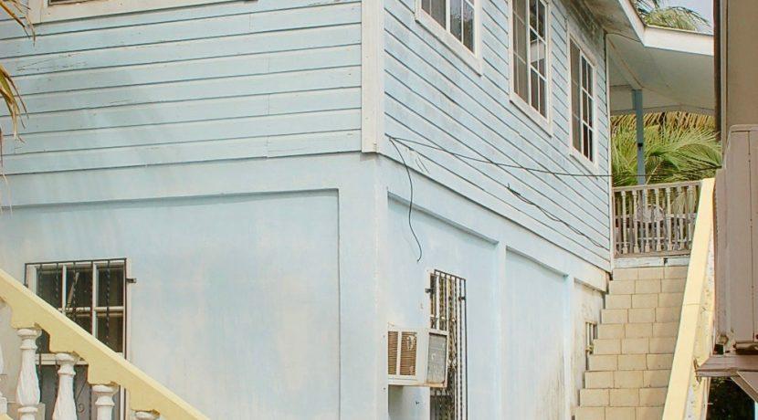 Y249 - house