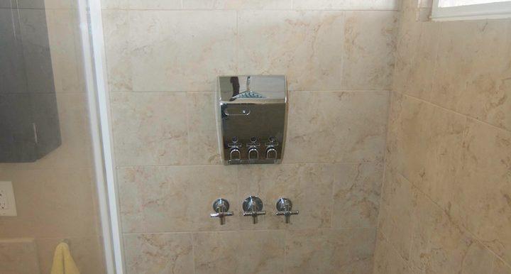 Y254 - Gecko unit - bath 2