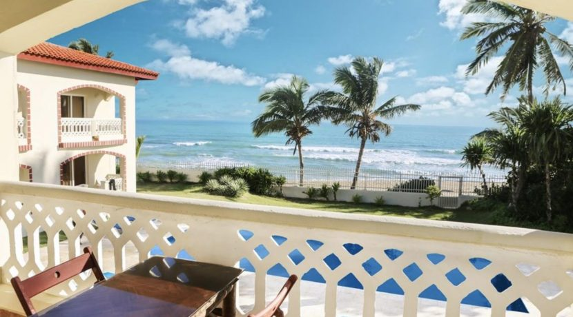 beach-hotel1